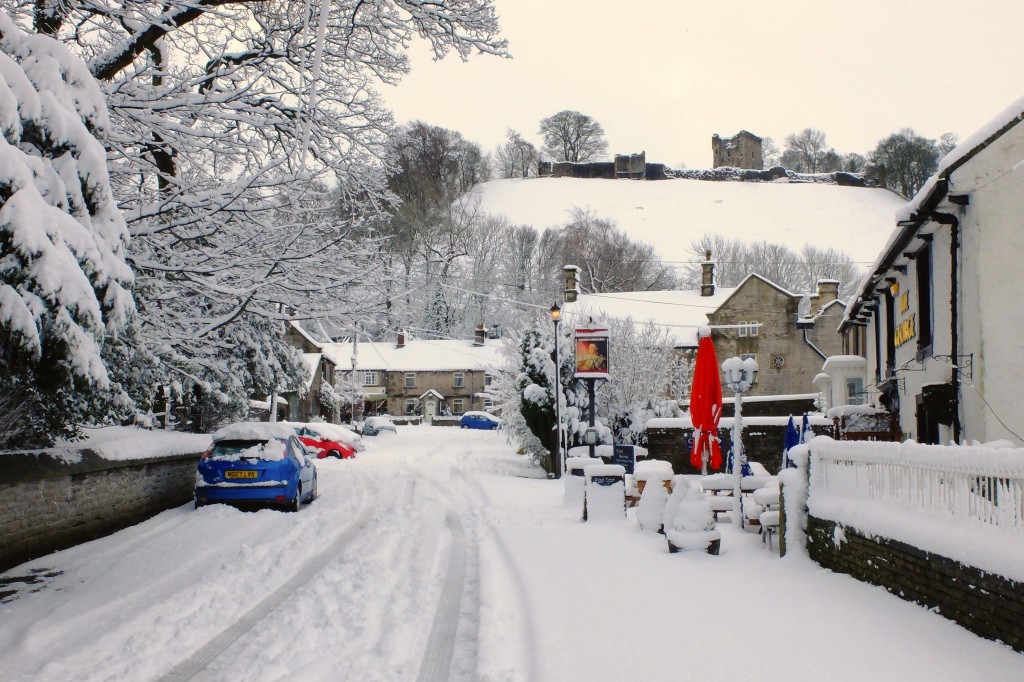 Castleton snow& Peveril Castle